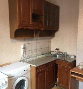 Кухонный гарнитур. Без мойки и основания.