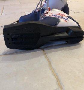 Ботинки лыжные, детские