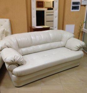 Продаю 3-х местный диван