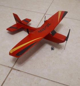Самолет на радиоуправление