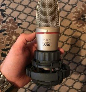 Микрофон AKG