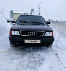 Audi 100, 1981