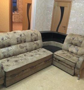 Продаю угловой диван
