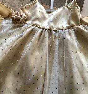 Платье на девочку р.80