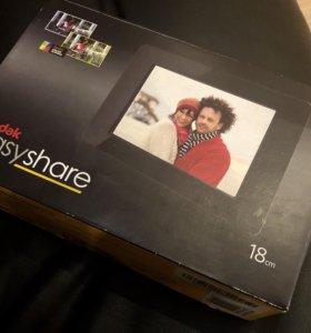 "Новая фоторамка цифровая Kodak 7"" EasyShare P76"