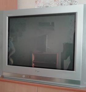Продам телевизор LG цветной