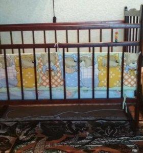 Кроватка детская с матрацем и бортиками