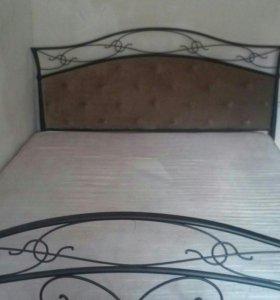 Металлическая кровать