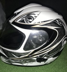 Шлем IOTA (Франция)
