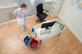 Требуется уборщица в офисное помещение