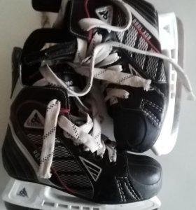 Хоккейные коньки, Лыжные ботинки