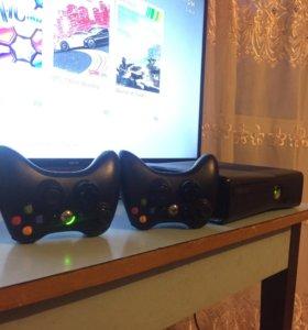 Xbox 360 250gb+4игры+2геймпада