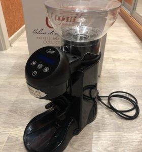 Проффесиональная кофемолка cunill tron