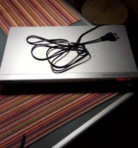 Караоке-DVD рекодер SAMSUNG DVD-K120 с микрофоном