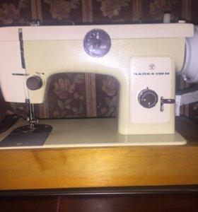 Машинка швейная Чайка 132–М