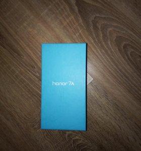 Продаю телефон новый куплен 16 января,