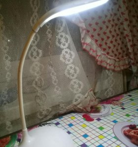 Настольная лампа светодиодная, сенсорная,новая.