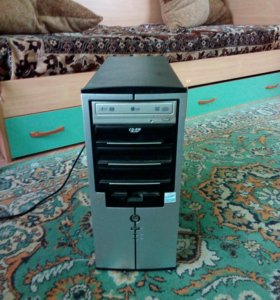 Компьютер 2002 года, работает, в хорошем состоянии