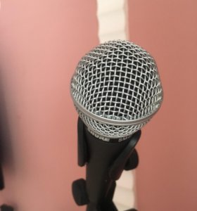 Профессиональный вокальный микрофон