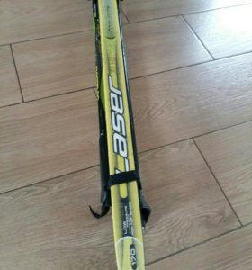 Лыжи с палками и креплением