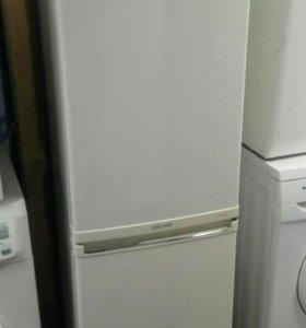 Холодильник Samsung cool and cool