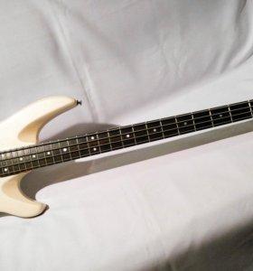 Бас гитара Samick made in Korea
