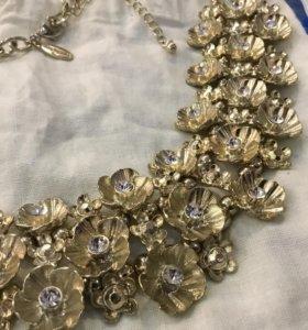 Ожерелье Ann Taylor