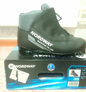 Лыжные ботинки Nordway 39 размер