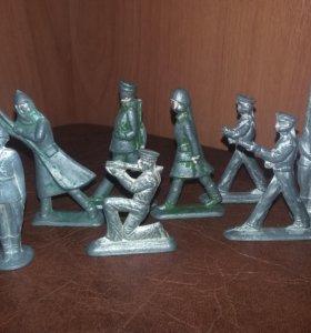 Солдатики оловянные+пластиковые