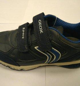 Кросовки Geox 29 новые