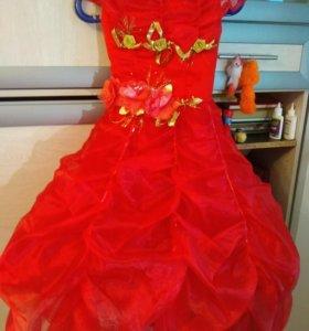 Праздничное выпускное торжественное платье.
