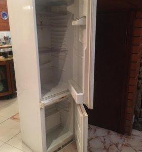 Холодильник Аристон на запчасти