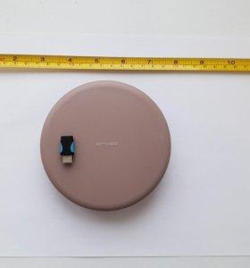 Новая беспроводная зарядка Samsung EP-PG950