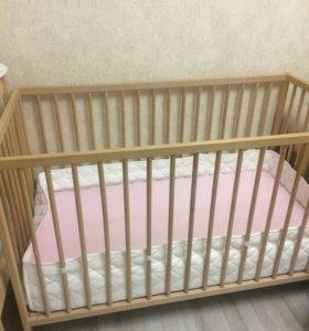 Детская кроватка и пеленальный стол Икеа