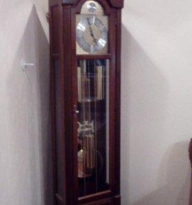 Напольные часы Hermle Tempus Fugit
