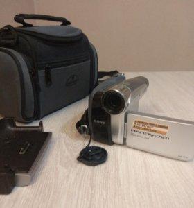 Видео камерп SONY DCR-HC35E