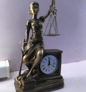 Статуэтка Фемида. Весы правосудия