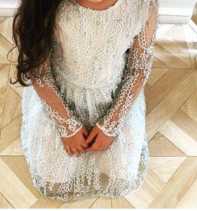 Очень красивое платье от известного дизайнера Elie