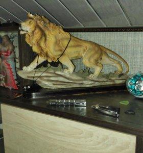 Лев статуэтка большая