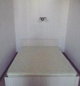 Продам новую кровать с матрасом