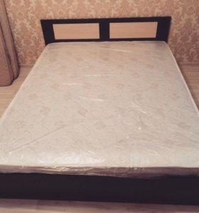 Новая кровать с матрасом
