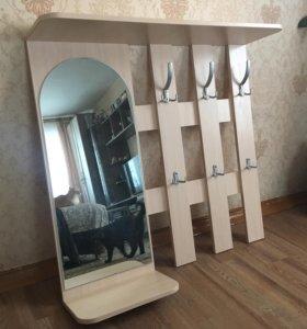 Новая вешалка с зеркалом. Прихожая.