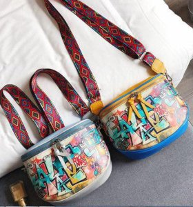 Яркая сумка с граффити