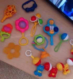 Много игрушек 500р
