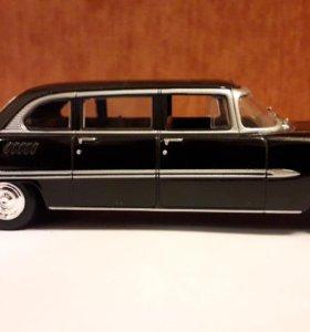 Модель автомобиля 1:43 ЗиЛ-111Г