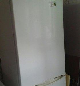 Продам холодильник в рабочем состоянии