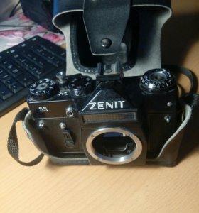 Фотоапарат ZENIT Cделан в СССР.