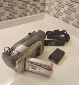 Видеокамера JVC GR-D20E