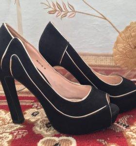 Туфли . 36 размер.