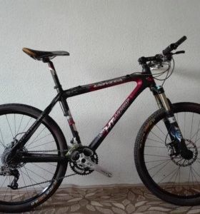 Продам карбоновый горный велосипед